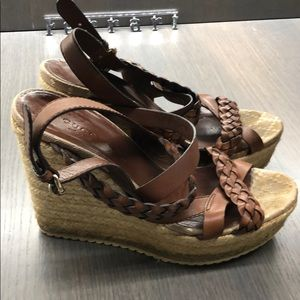 Gucci wedge.  Woven chestnut leather